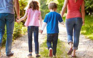 Razons para ir al Psicólogo Área Infantil niños niñas terapia familia