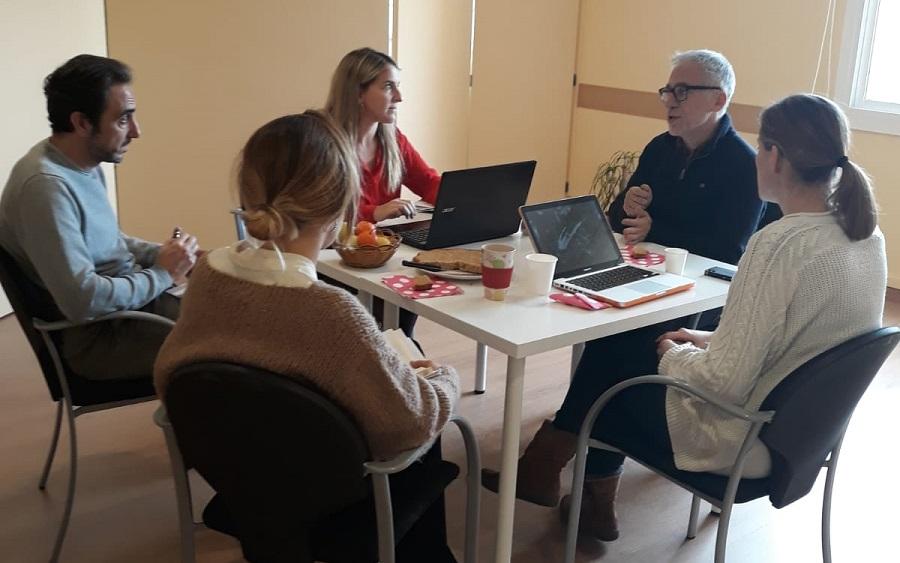 Desayunos actualizantes en el Instituto Carl Rogers
